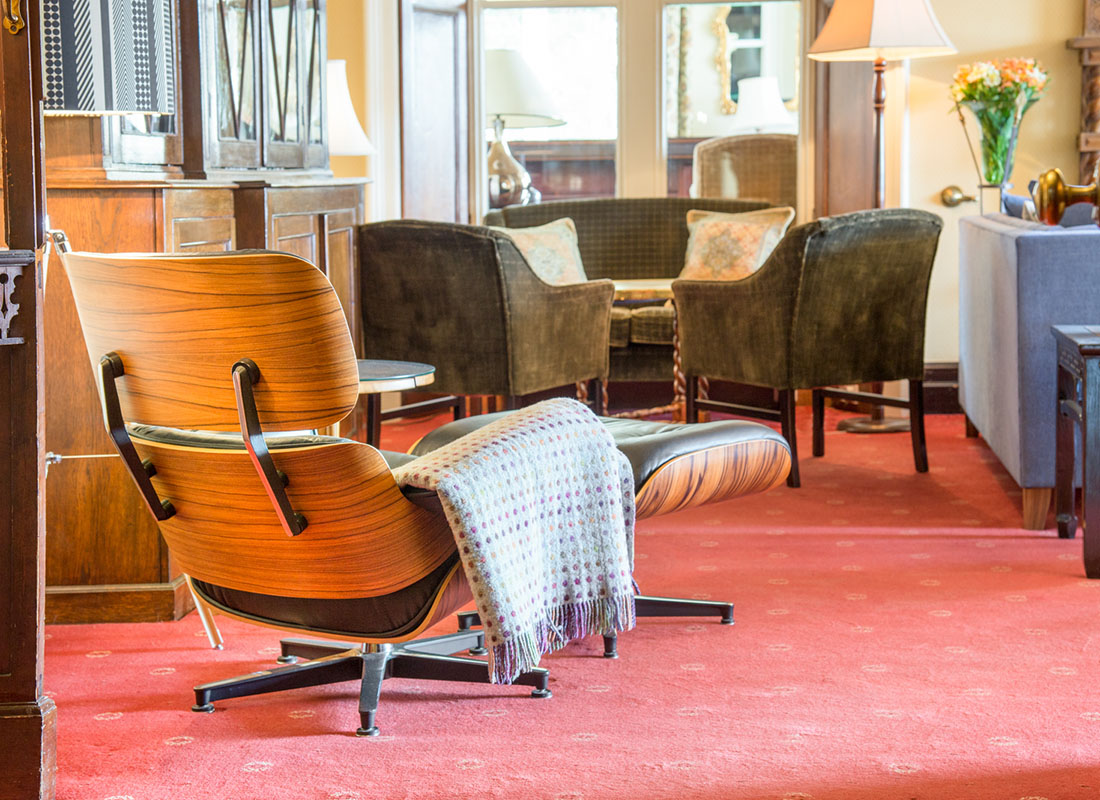 Ravenstone Manor Lounge